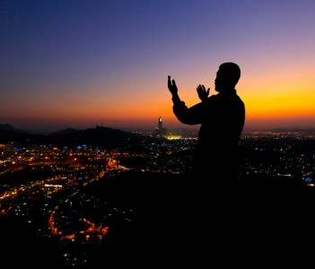 Nearing Maghrib time atop Mt Arafat