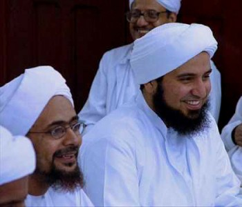 Habib Umar bin Hafiz and Habib Ali al-Jiffri amongst the scholars who teach at Daar al-Mustafa