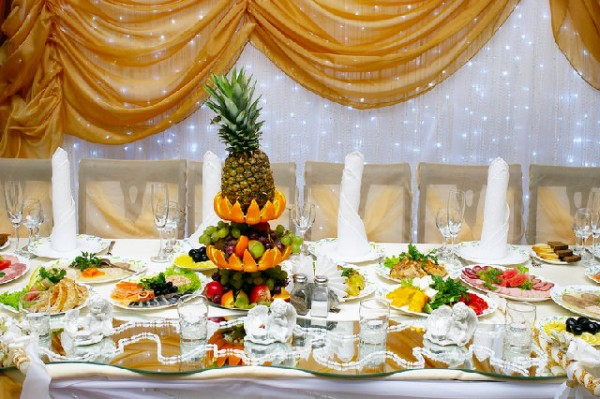 11 Food Tips For Your Wedding