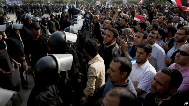 Influential Egyptian Judges to Boycott Referendum on Constitution