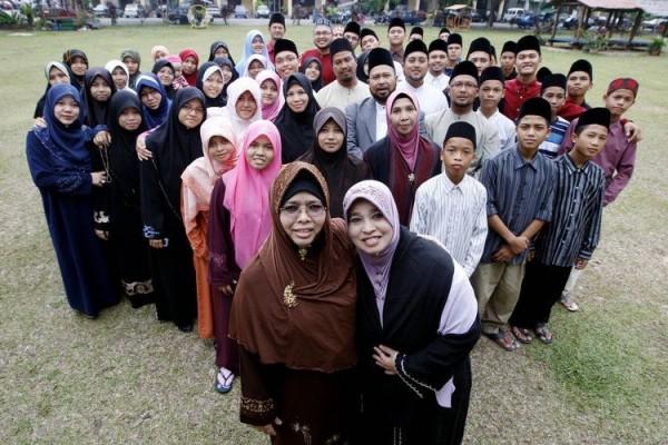 Divine or disastrous? Malaysia's Muslim polygamy club