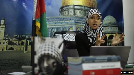 Hamas press team gets makeover with first spokeswoman