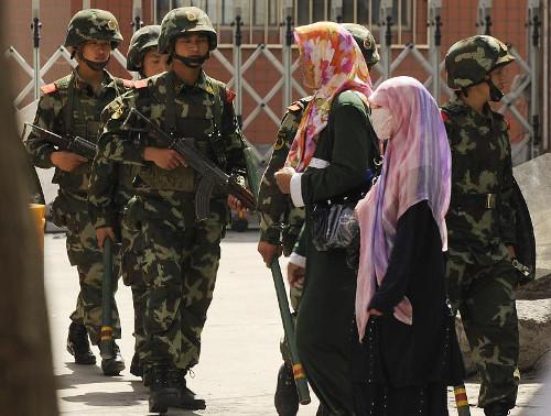 China-Muslims-police