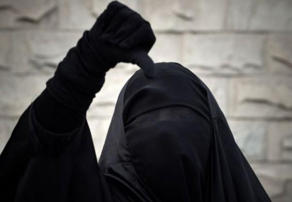 niqab-thumbs-d