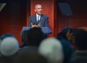 """Obama criticises """"inexcusable"""" anti-Muslim rhetoric"""